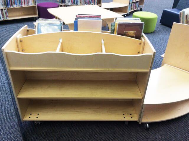 Natural Pod - Book Caddy